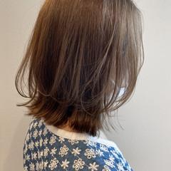 ボブ ウルフカット ミルクティーベージュ 切りっぱなしボブ ヘアスタイルや髪型の写真・画像