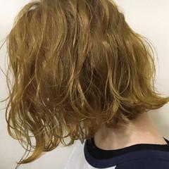 ハイトーン かわいい ボブ ストリート ヘアスタイルや髪型の写真・画像