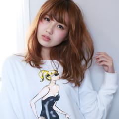 ハイライト ミディアム フェミニン アッシュ ヘアスタイルや髪型の写真・画像
