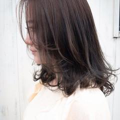 ナチュラル レイヤーカット レイヤーロングヘア セミロング ヘアスタイルや髪型の写真・画像