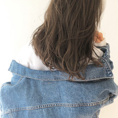 ベージュ ブラウン ヘルシー アンニュイ ヘアスタイルや髪型の写真・画像