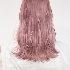 フェミニン ピンクベージュ ピンク ロング ヘアスタイルや髪型の写真・画像
