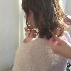フェミニン アッシュ 小顔 ニュアンス ヘアスタイルや髪型の写真・画像