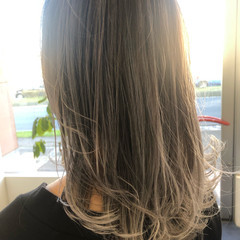 ミディアム 切りっぱなしボブ エアータッチ バレイヤージュ ヘアスタイルや髪型の写真・画像