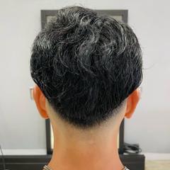 スパイラルパーマ スキンフェード フェードカット ストリート ヘアスタイルや髪型の写真・画像