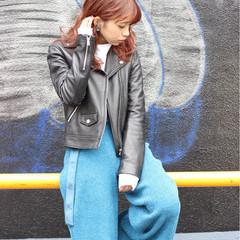 セミロング 冬 ウェーブ ピンク ヘアスタイルや髪型の写真・画像