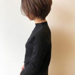 ショートヘア ナチュラル アッシュベージュ ショートボブ ヘアスタイルや髪型の写真・画像