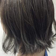 ガーリー ハイライト アッシュ 切りっぱなし ヘアスタイルや髪型の写真・画像