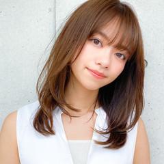 ミディアムレイヤー コンサバ レイヤー デジタルパーマ ヘアスタイルや髪型の写真・画像
