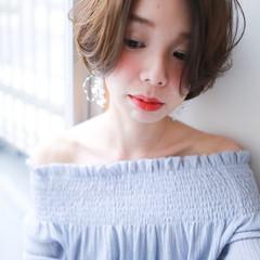 小顔ショート フェミニン アンニュイほつれヘア ハンサムショート ヘアスタイルや髪型の写真・画像