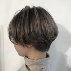 ショートボブ ナチュラル グレージュ ハンサムショート ヘアスタイルや髪型の写真・画像