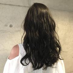 外国人風 ナチュラル ミディアム 暗髪 ヘアスタイルや髪型の写真・画像
