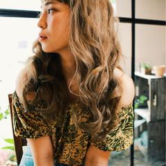 ロング アッシュ フェミニン リラックス ヘアスタイルや髪型の写真・画像