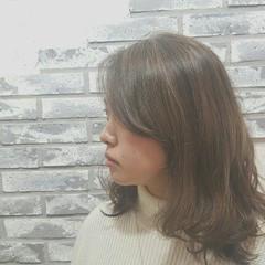 グラデーションカラー ミディアム ナチュラル アッシュ ヘアスタイルや髪型の写真・画像
