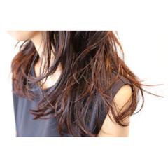 グラデーションカラー 透明感 アッシュ セミロング ヘアスタイルや髪型の写真・画像