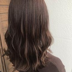 ナチュラル ミルクティー ミルクティーグレージュ アッシュブラウン ヘアスタイルや髪型の写真・画像