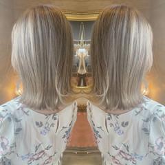 グラデーション ストリート ホワイトカラー セミロング ヘアスタイルや髪型の写真・画像