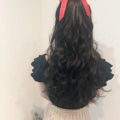 ガーリー リボン ロング ブライダル ヘアスタイルや髪型の写真・画像