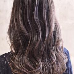 セミロング ハイライト ダブルカラー バレイヤージュ ヘアスタイルや髪型の写真・画像