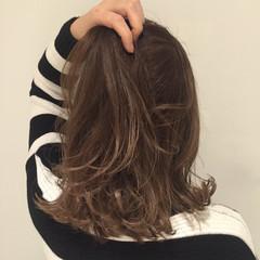 ハイライト ミディアム アッシュ ストリート ヘアスタイルや髪型の写真・画像