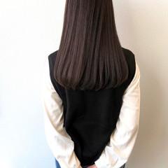 レイヤーカット ストレート ロング ナチュラルブラウンカラー ヘアスタイルや髪型の写真・画像