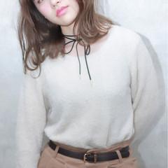 ナチュラル アッシュ 外国人風 フェミニン ヘアスタイルや髪型の写真・画像