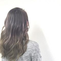 セミロング グラデーションカラー アッシュ ナチュラル ヘアスタイルや髪型の写真・画像