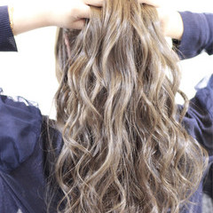 モテ髪 ロング アッシュ 外国人風 ヘアスタイルや髪型の写真・画像