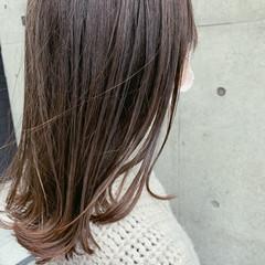 アッシュグレージュ ナチュラルグラデーション ミディアム アッシュグラデーション ヘアスタイルや髪型の写真・画像