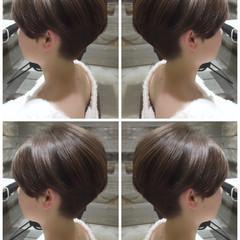 ショートボブ ショート ミルクティー 小顔 ヘアスタイルや髪型の写真・画像