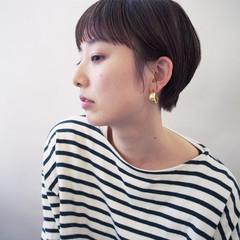 ウェットヘア ナチュラル デート ショート ヘアスタイルや髪型の写真・画像