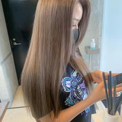 グレージュ エレガント ミルクティーグレージュ ロング ヘアスタイルや髪型の写真・画像