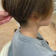ナチュラル 刈り上げ ツーブロック ショート ヘアスタイルや髪型の写真・画像