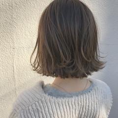 外ハネ ナチュラル 切りっぱなし ゆるふわ ヘアスタイルや髪型の写真・画像