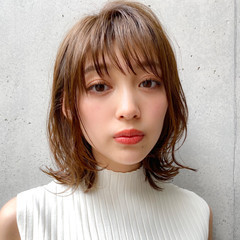 外ハネ 簡単スタイリング ナチュラル レイヤーカット ヘアスタイルや髪型の写真・画像