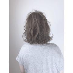 アウトドア 大人かわいい アンニュイ ゆるふわ ヘアスタイルや髪型の写真・画像