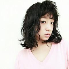 暗髪 ストリート ミディアム 黒髪 ヘアスタイルや髪型の写真・画像
