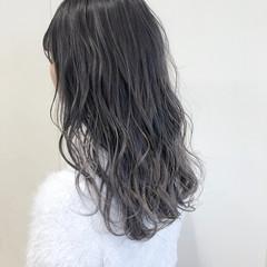 ブリーチ グレージュ フェミニン ホワイトグレージュ ヘアスタイルや髪型の写真・画像