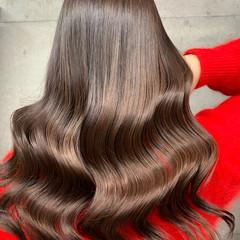 アッシュグレー ミディアム ラベンダー ヌーディーベージュ ヘアスタイルや髪型の写真・画像
