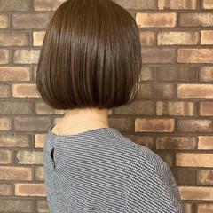 スロウ まとまるボブ ボブ イルミナカラー ヘアスタイルや髪型の写真・画像
