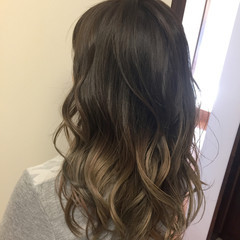 ダブルカラー イルミナカラー ロング 外国人風カラー ヘアスタイルや髪型の写真・画像