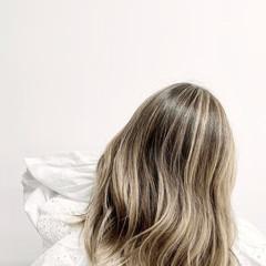 グラデーションカラー 外国人風カラー ブリーチカラー ナチュラル ヘアスタイルや髪型の写真・画像