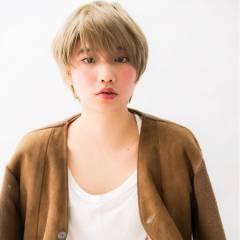 ハイトーン 小顔 ショート 似合わせ ヘアスタイルや髪型の写真・画像