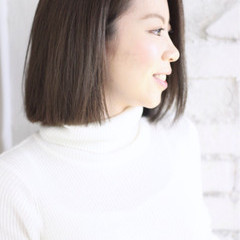 インナーカラー ローライト モード ボブ ヘアスタイルや髪型の写真・画像