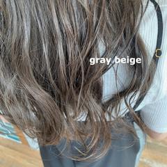 セミロング ブリーチカラー ダブルカラー フェミニン ヘアスタイルや髪型の写真・画像