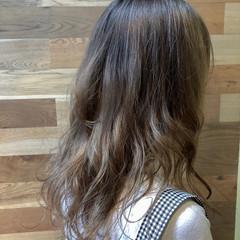 ミディアム ダブルカラー ナチュラル インナーカラー ヘアスタイルや髪型の写真・画像