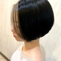 ショートヘア インナーカラー 大人可愛い モード ヘアスタイルや髪型の写真・画像