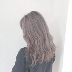 ミルクティー ブリーチ フェミニン ヘアカラー ヘアスタイルや髪型の写真・画像