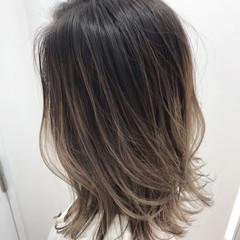 バレイヤージュ ハイライト 外国人風カラー セミロング ヘアスタイルや髪型の写真・画像