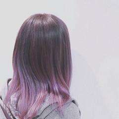 ストリート ミディアム バレイヤージュ グラデーションカラー ヘアスタイルや髪型の写真・画像